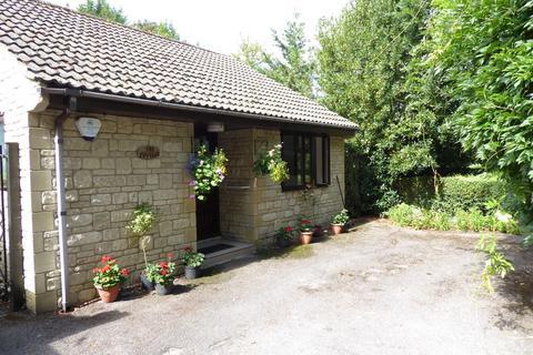 1 bedroom detached bungalow to rent - VICTORIA ROAD, TROWBRIDGE