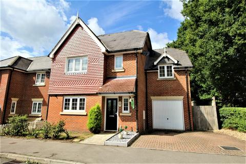 4 bedroom detached house for sale - Rowan Road, LINDFORD, Hampshire