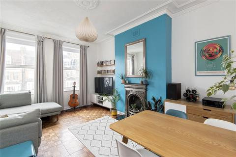 2 bedroom flat - Bournevale Road, London, SW16