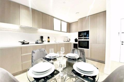 2 bedroom flat to rent - Chartwell House, Prince Of Wales Drive, Battersea, London, SW11