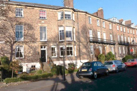 3 bedroom maisonette - Bath Terrace, Tynemouth