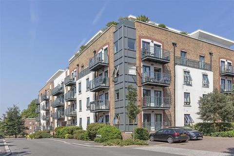 2 bedroom flat for sale - Queen Mary's House, Holford Way, Roehampton