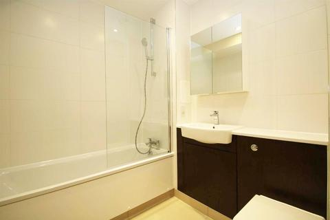 2 bedroom apartment - Silverton Way, Canning Town, E16
