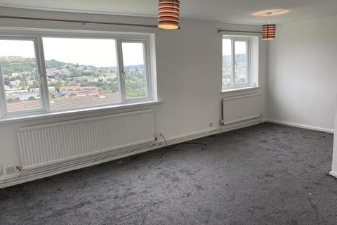 3 bedroom flat to rent - Valley View, Baildon, BD17 5QT
