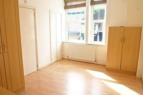 Studio to rent - Ballards Lane,  , Finchley, , London