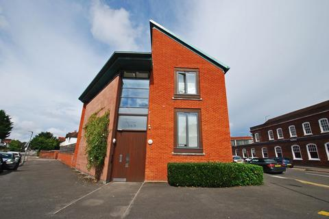 1 bedroom flat for sale - Reynolds Court, Baring Road, Beaconsfield, HP9
