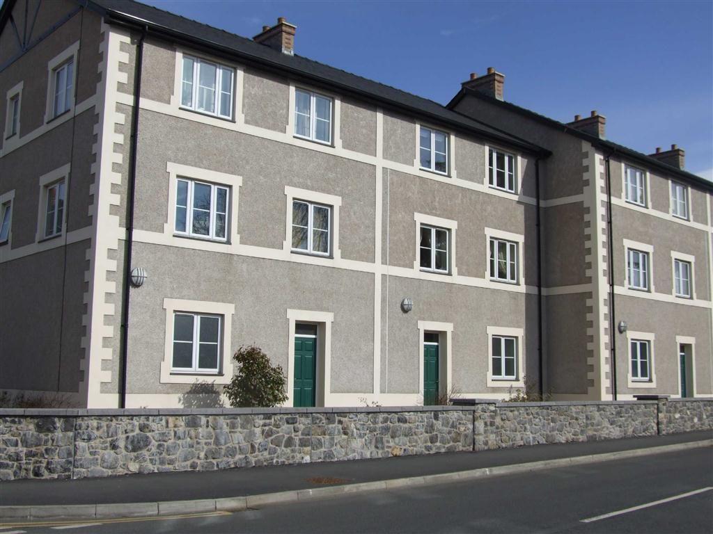 2 Bedrooms Flat for sale in Trem Yr Orsedd, Llanrwst, Conwy