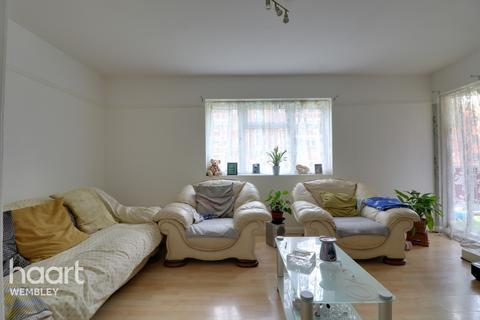 2 bedroom apartment for sale - Kings Drive, Wembley