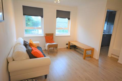 1 bedroom flat for sale - Redwood Close, St. Mellons, Cardiff. CF3