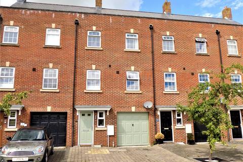 3 bedroom terraced house for sale - Phoebe Way, Swindon, Wiltshire, SN25