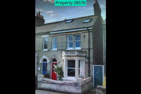 3 bedroom semi-detached house to rent - Humberstone Road, Cambridge, CB4 1JF