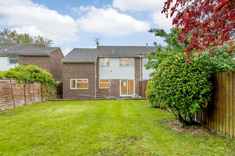 4 bedroom semi-detached house to rent - Cadwell Drive, Maidenhead, SL6