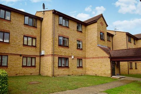 1 bedroom flat for sale - Lowestoft Drive, Slough, SL1
