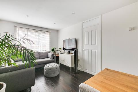 1 bedroom flat for sale - Oliver Close, Chiswick, London