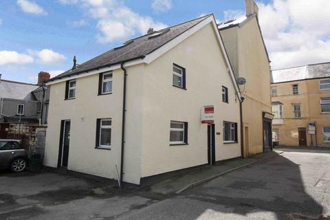 4 bedroom semi-detached house for sale - Watling Street, Llanrwst