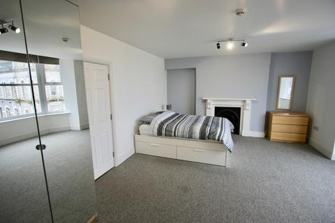 1 bedroom in a house share to rent - Mutley Plain, Mutley