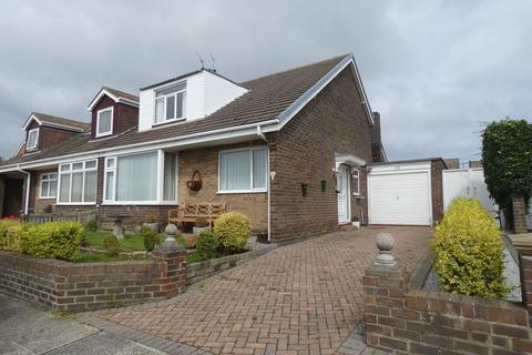 2 bedroom semi-detached bungalow to rent - Meadow Road, Seaton Sluice