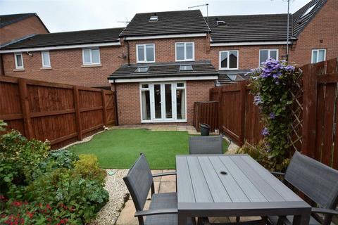 3 bedroom townhouse for sale - Edward Close, Pudsey, West Yorkshire