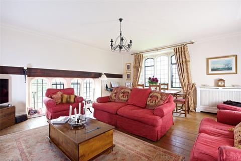 3 bedroom apartment for sale - The Hall, Brockhall, Northamptonshire, NN7