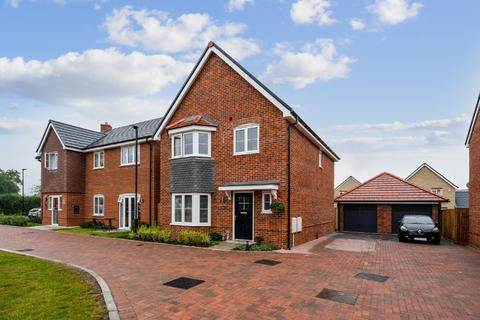 4 bedroom detached house for sale - Hedgerow Walk, Longwick, Princes Risborough, Buckinghamshire, HP27