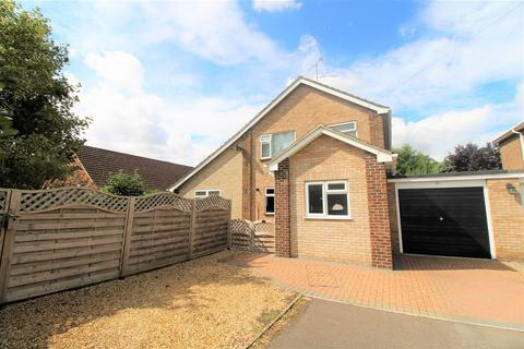 4 bedroom link detached house for sale - St. Marys Close, South Wootton