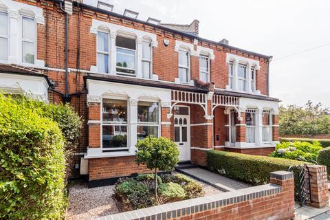 6 bedroom terraced house - Hardwicke Road, London, N13