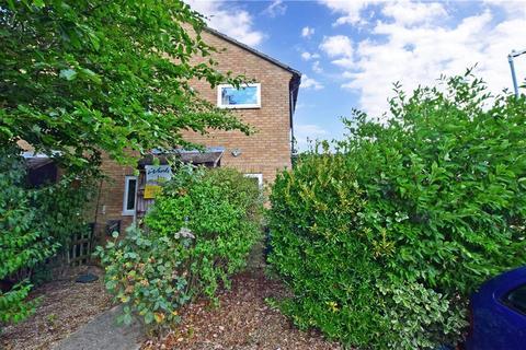1 bedroom semi-detached house - Falcon Way, Ashford, Kent
