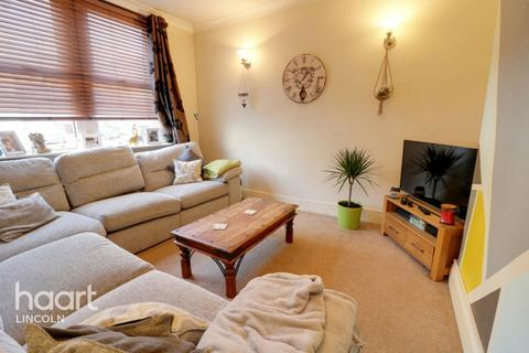 2 bedroom terraced house - Clumber Street, Lincoln