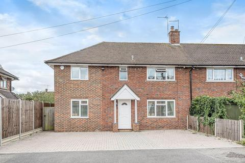 4 bedroom end of terrace house for sale - Chobham,  Surrey,  GU24