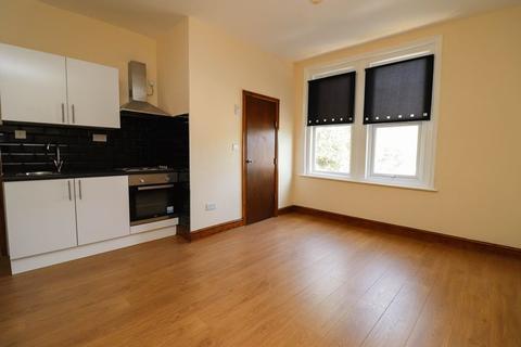 Studio to rent - Denzil Court, Denzil avenue, Southampton SO14