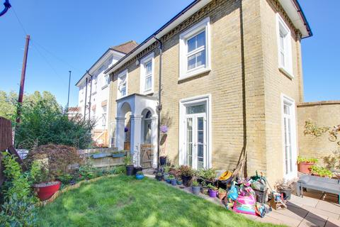 3 bedroom semi-detached house for sale - Oak Road, Woolston