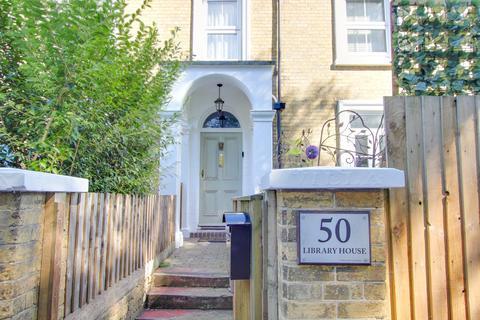 3 bedroom semi-detached house for sale - Oak Road, Woolston