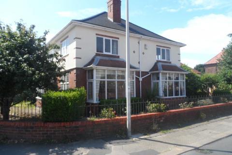3 bedroom detached house for sale - Arnold Avenue, Blackpool, FY4 2EN