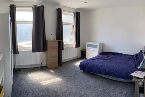 5 bedroom house share to rent - LONDON N17