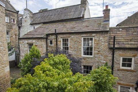 2 bedroom cottage - Castle Court, Market Place, Barnard Castle, Co Durham