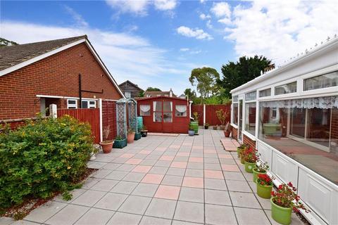 3 bedroom detached bungalow for sale - Maxine Gardens, Broadstairs, Kent
