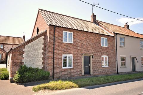3 bedroom semi-detached house for sale - Thornham