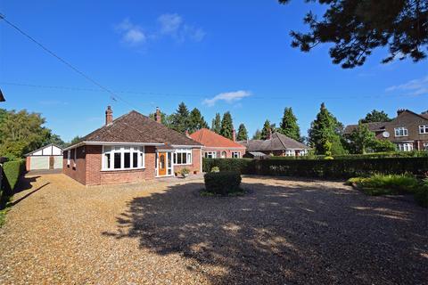 4 bedroom detached bungalow for sale - West Winch Road, West Winch