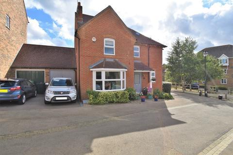 4 bedroom detached house for sale - Blue Field, Ashford