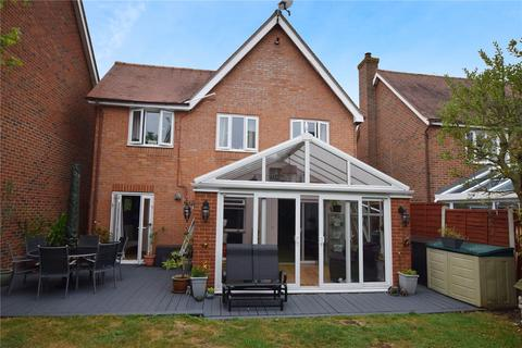 4 bedroom detached house for sale - Inchbonnie Road, South Woodham Ferrers, Essex, CM3
