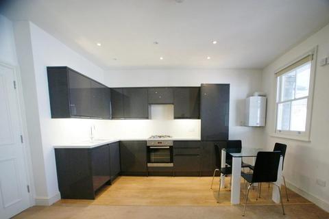 2 bedroom flat to rent - Upper Richmond Road, Putney, London, SW15 6SG