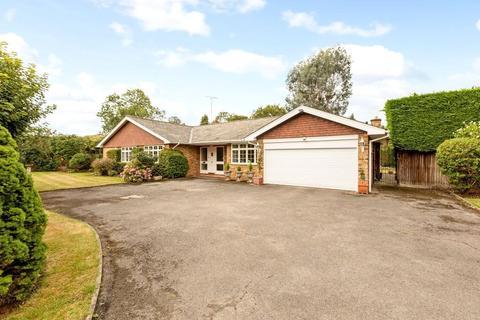 3 bedroom detached bungalow for sale - Meadowside, Jordans, Beaconsfield, Buckinghamshire, HP9