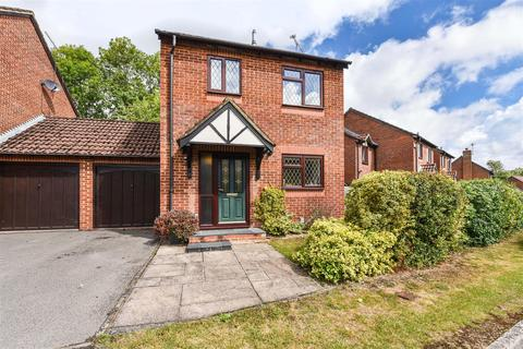 3 bedroom link detached house for sale - Cypress Grove, Andover
