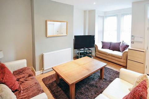 4 bedroom terraced house to rent - Hesketh Terrace, Kirkstall, Leeds