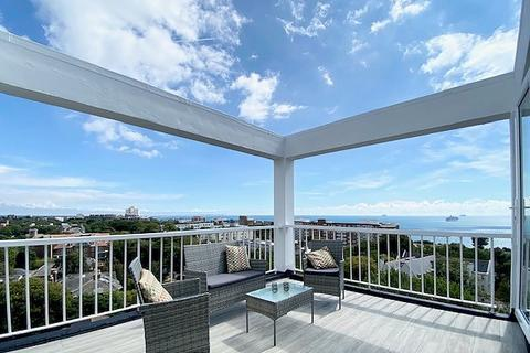 3 bedroom penthouse for sale - East Cliff