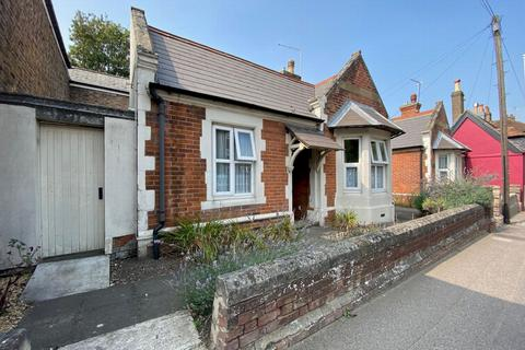 1 bedroom bungalow for sale - Dover Road, Walmer, CT14