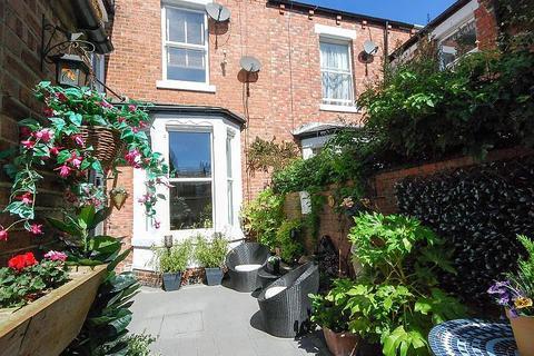 2 bedroom flat for sale - St Bedes, East Boldon