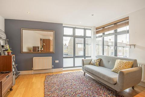 2 bedroom flat for sale - Battersea Rise, Battersea