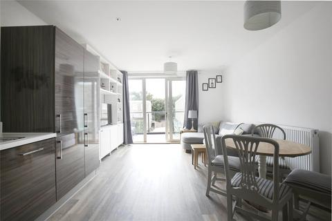 1 bedroom flat - Concord Court, Chiswick, London