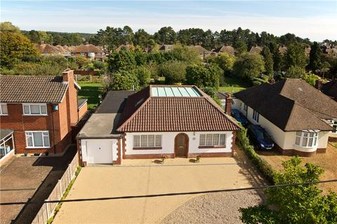 3 bedroom bungalow for sale - Booth Lane South, Northampton, Northamptonshire, NN3